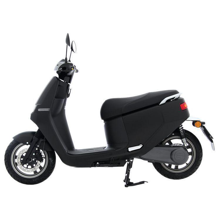Elektrische scooter AGM – E2 Lithium      64V-30Ah mat zwart
